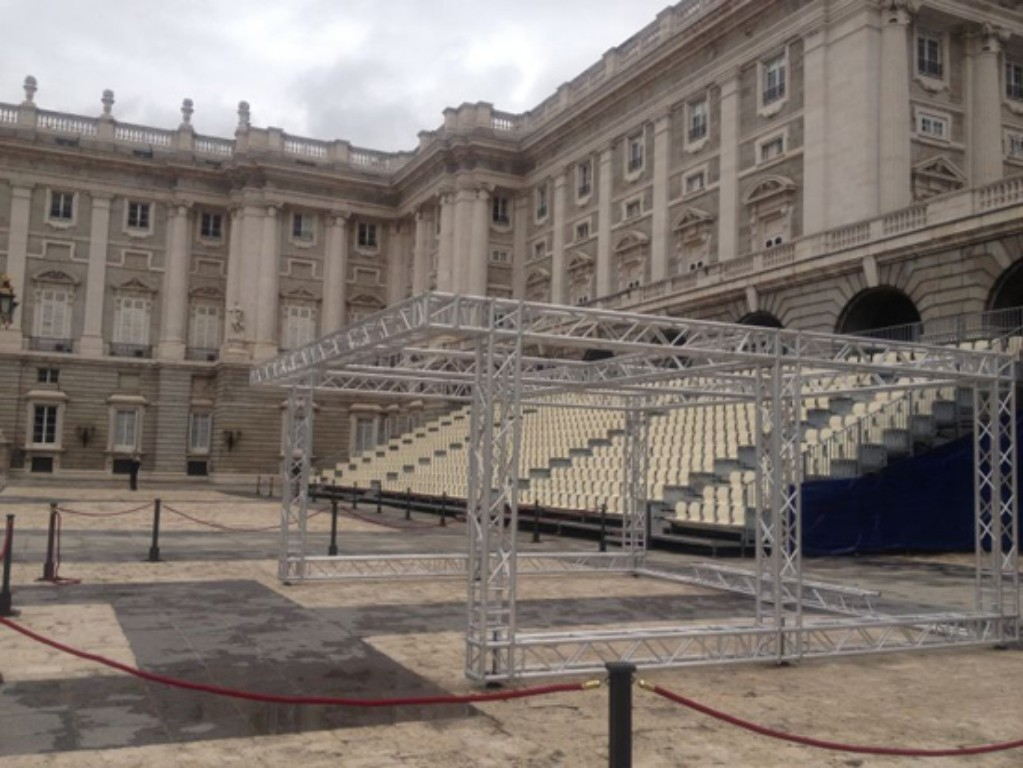 Trussing stage @ Royal Palace, Madrid (Spain)