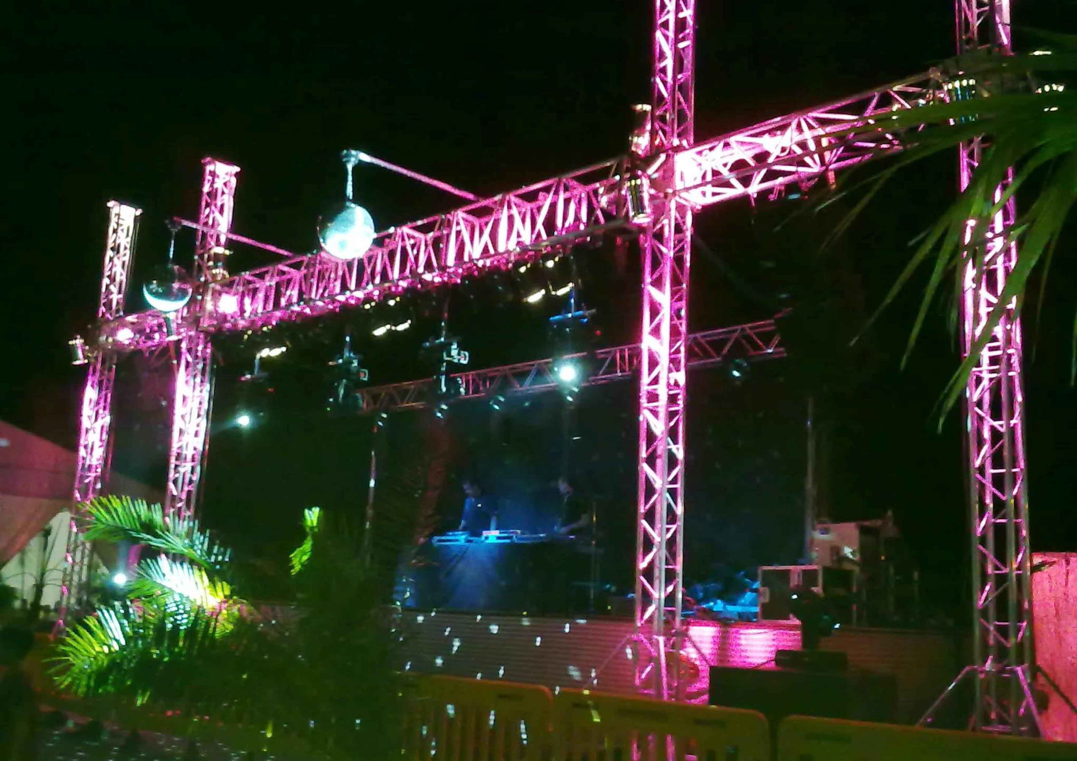 Truss structure for concert stage @ (Spain)