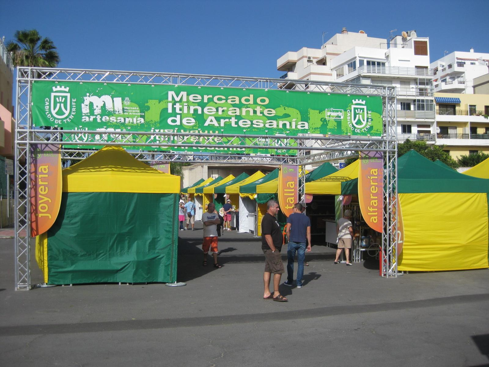 Traveling craft market @ Santa Cruz de Tenerife (Spain)