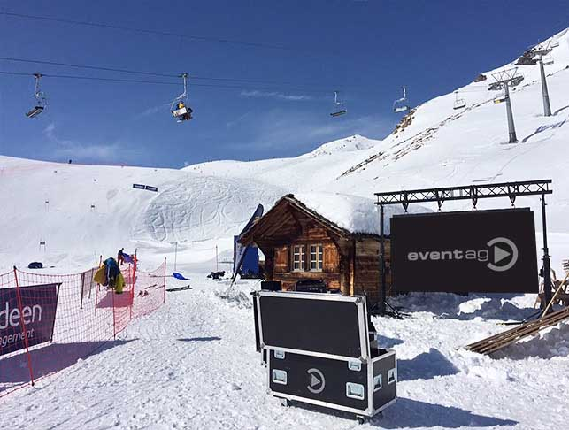 Lifting towers with LED screen at Ski Championship @ Grindelwald (Switzerland)