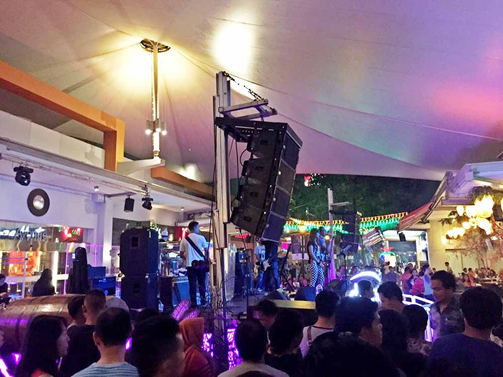 Frontal lifters with line array @ Jakarta (Indonesia)